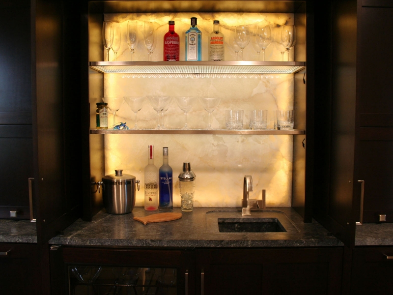 10-onyx-backlit-open-bar-h-1